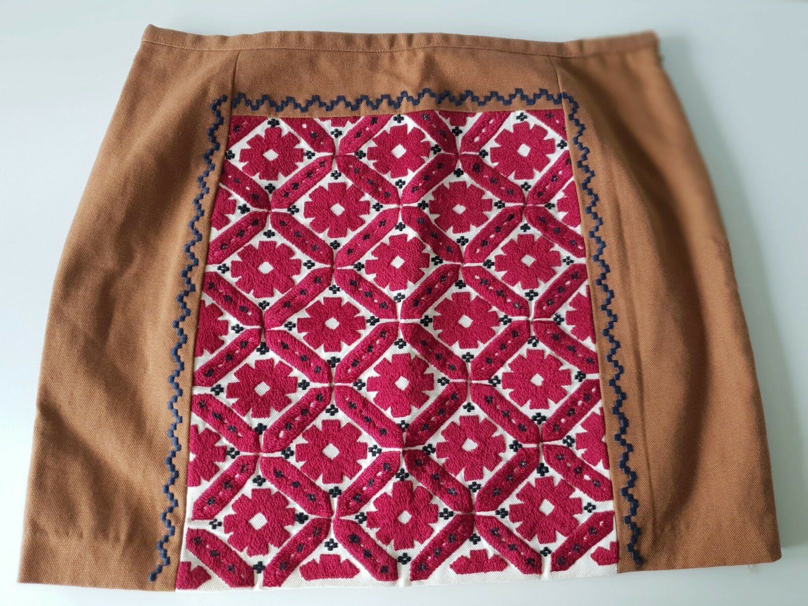 Claudie Pierlot tan cotton embroiderot mini Rock - Größe EU40 UK12