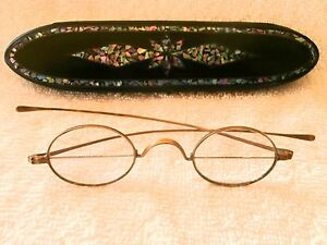 RARE FRANKLIN BIFOCALS IN PEARL INLAY SPECTACLE CASE  PAPER MACHE! FANTASTIC!
