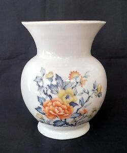 Porcelain-Peony-Vase-Possibly-Herend-6-Inches-Tall-FREE-Delivery-UK