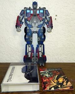TRANSFORMERS-2-DISC-SPECIAL-EDITION-DVD-W-TRANSFORMER-amp-COMIC-BOOK-NEW-SEALED