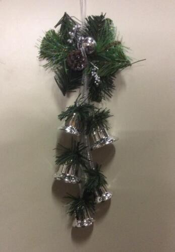Nouveau 5pc Silver Bell cluster Pendaison Décoration de Noël superbe valeur!