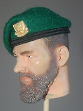 1/6 WW2 British French Kieffer No 4 Commando green beret & metal badge