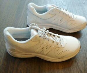 WW411v2 Walking Shoe