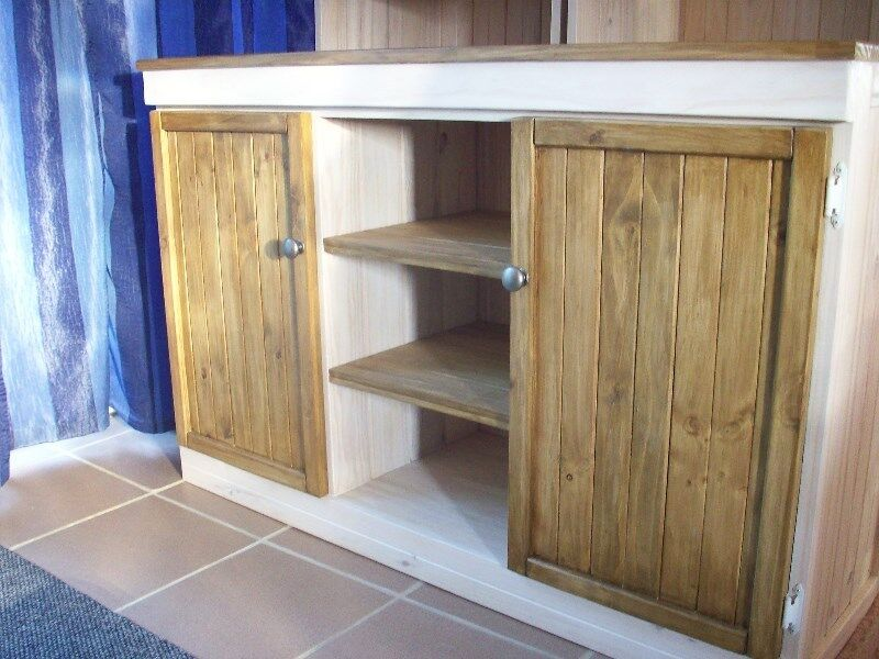 Kitchen furniture in country style
