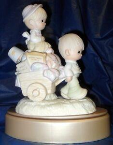 Retired Precious Moments Figurine Walking By Faith 128 00 Value Mint Ebay