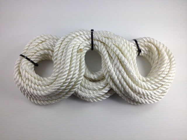 3 Strand Polyester Rope 14mtr x 16mm -  Mooring Fender Rope anchor - New 3S16