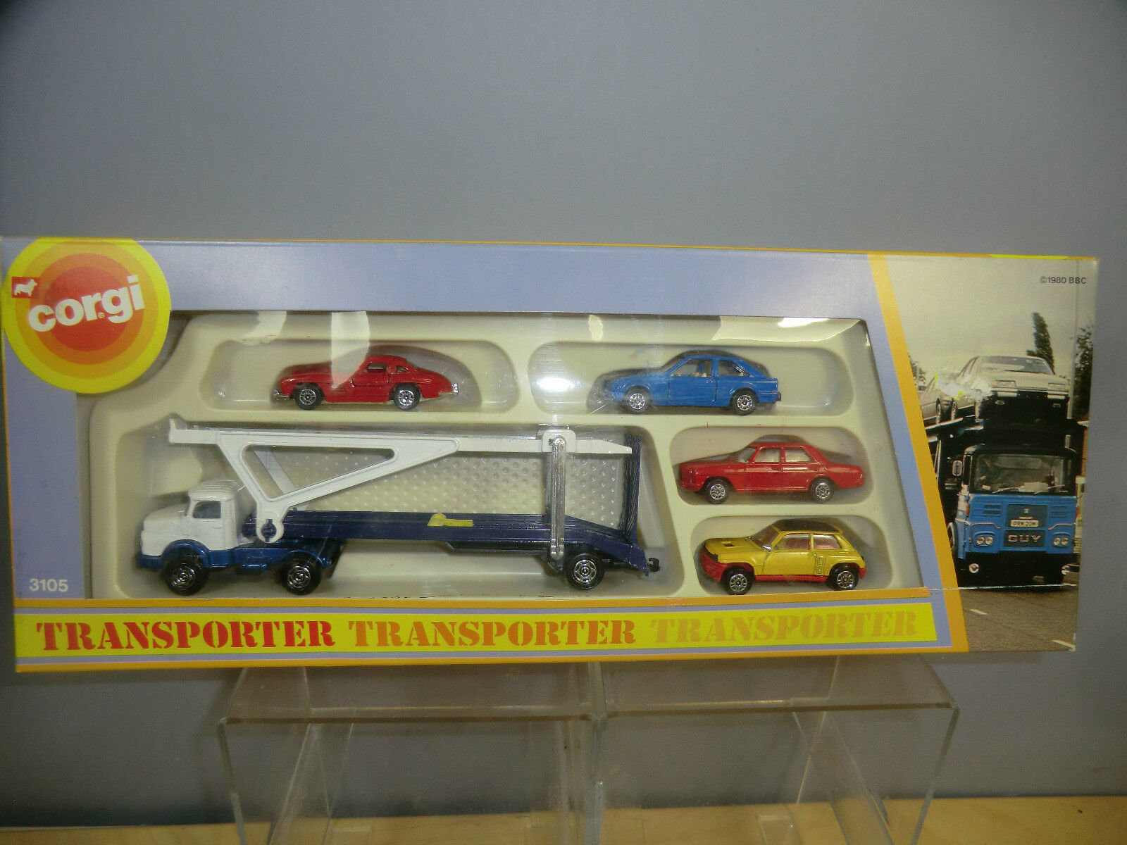 CORGI JUNIOR GIFT SET MODEL   No.3105   TRANSPORTER WITH 4 CARS            MIB