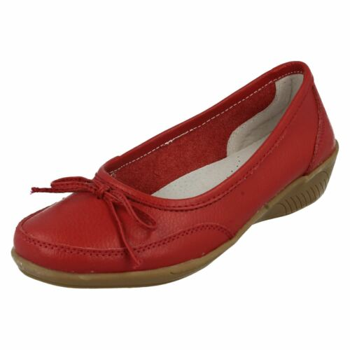 R32B Eaze F3R091 Ladies Red Flat Leather Slip On Shoes