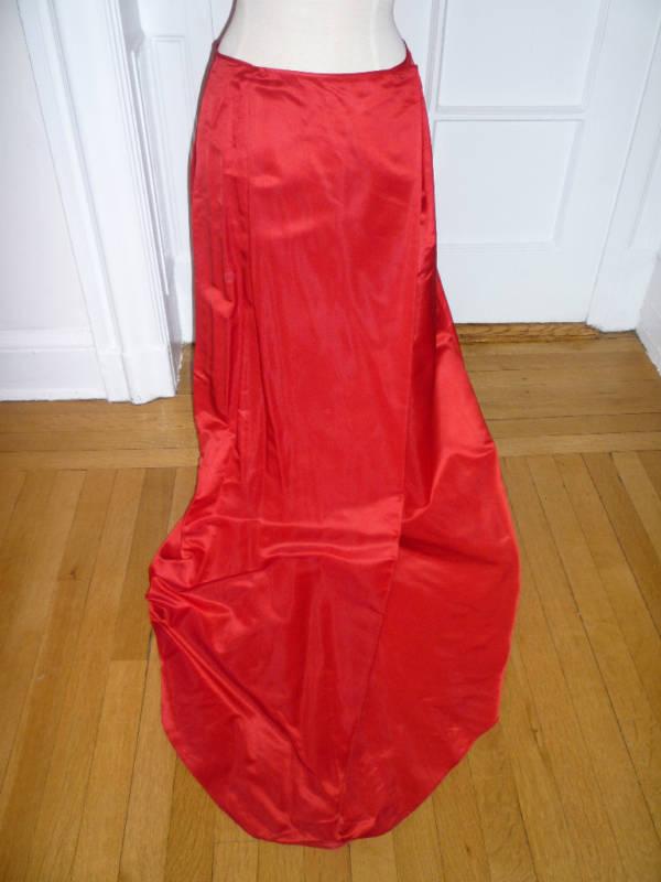 TAHARI rot Long Ballgown Skirt w  Small Train, 10