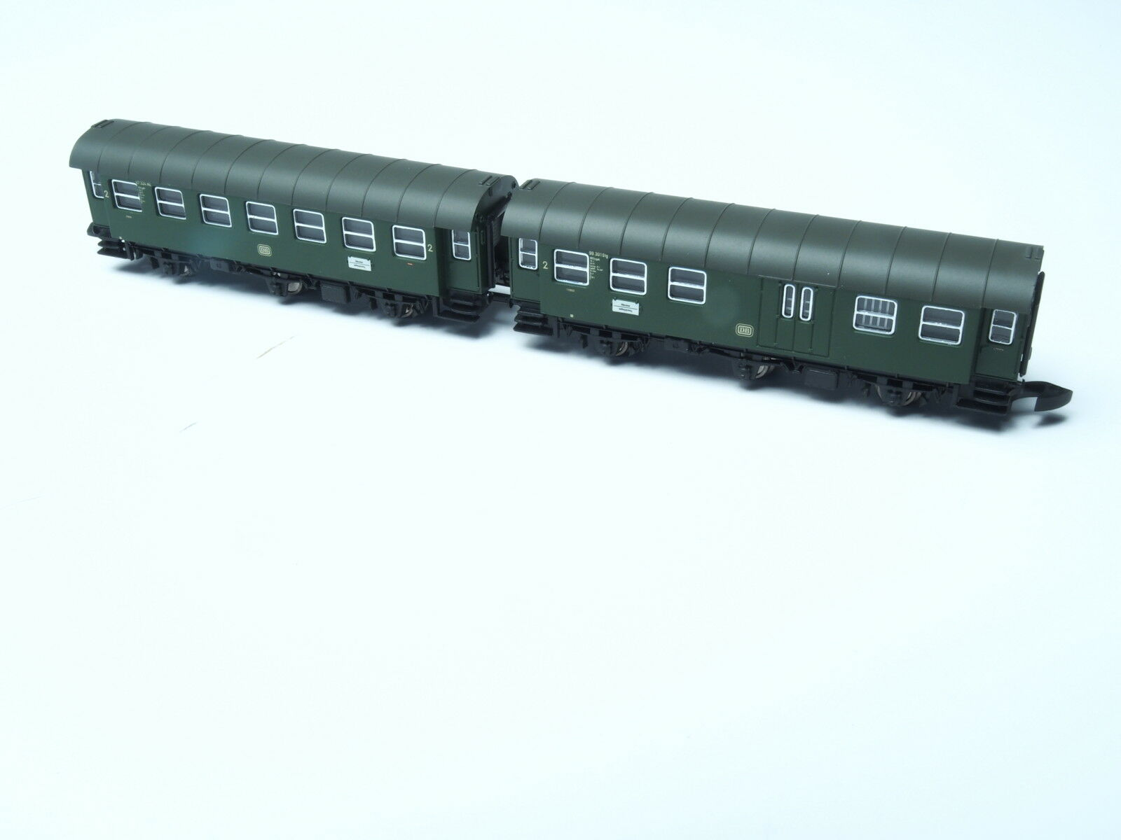 87060-10 Marklin Z-scale 2 cars close coupled Umbauwagen set 2nd class + Borsagage