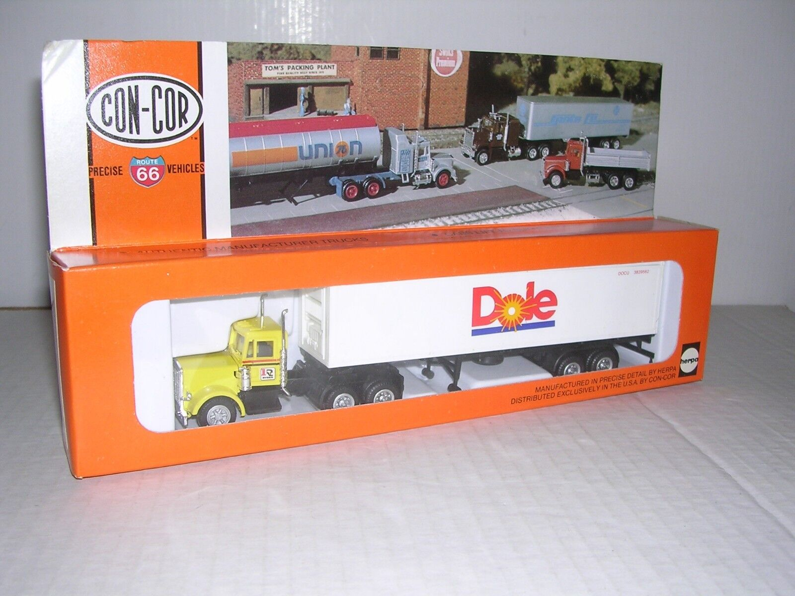CON-COR Ryder Kenworth 10 Wheel Cab w 40' Container  Dole  Built-up H.O.