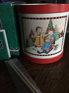 Hallmark-Mary-Engelbreit-Wonder-of-ChristmasCHILDREN-SLEDDING-amp-SNOWMAN-TIN-DRUM
