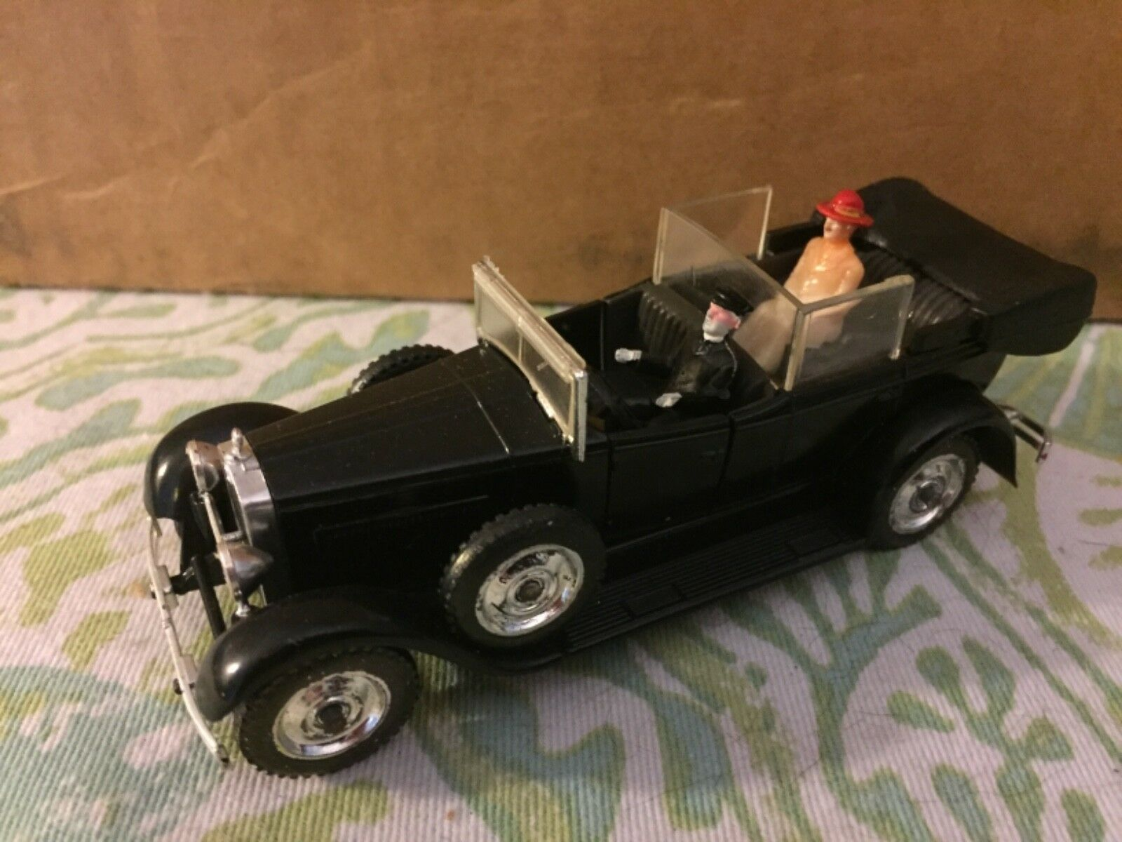 Vintage Solido Die Cast Fiat 525N 1929 w  2 People Made In France
