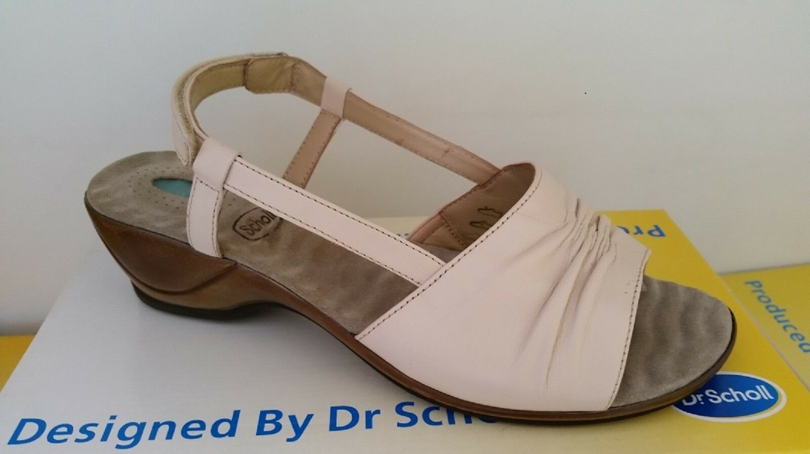 Scholl Melody ivory liqui massage sandals size 41 ()