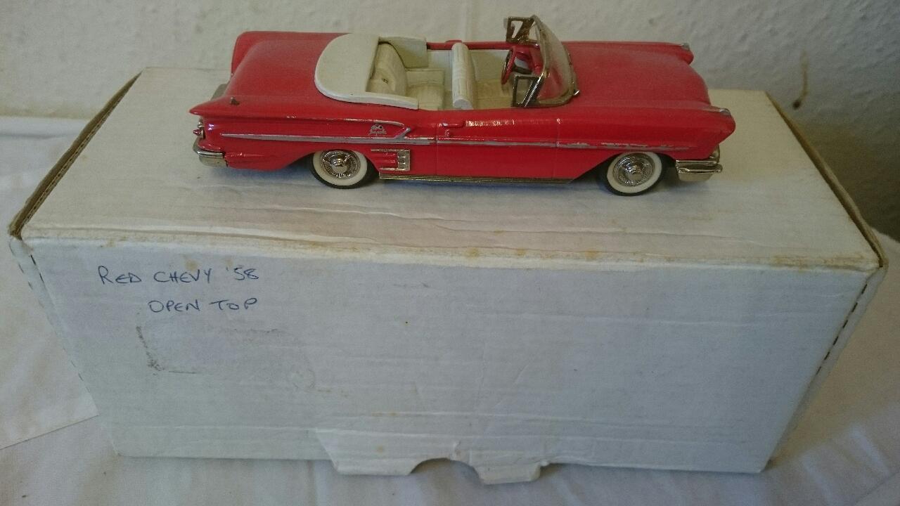 Minimarque 43 Chevrolet Impala 1958 LHD Cilla 1 43 rosso parte superior abierta