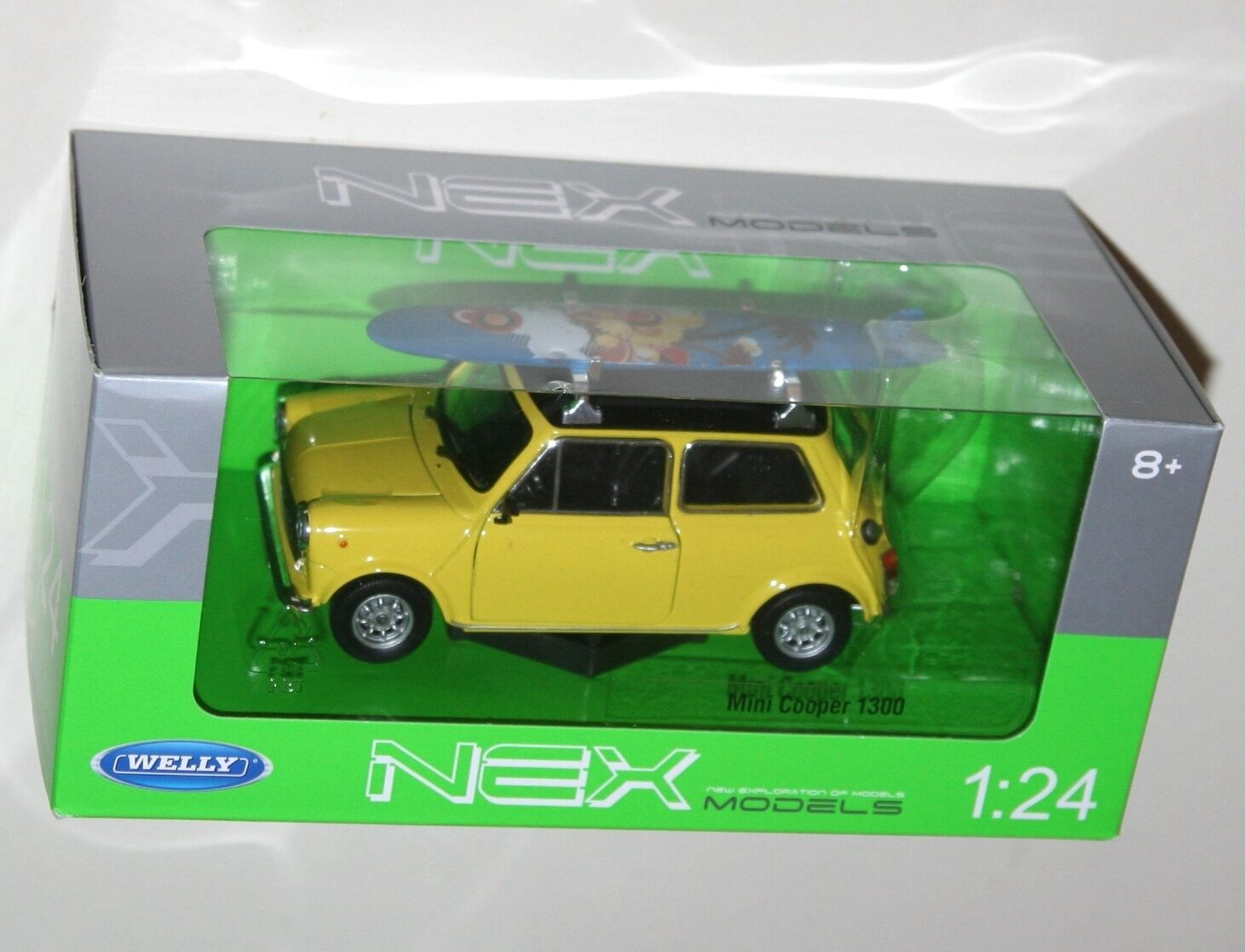 Welly - - - MINI COOPER 1300 (Yellow + Surfboard) Die Cast Model - Scale 1 24 c6e7a2