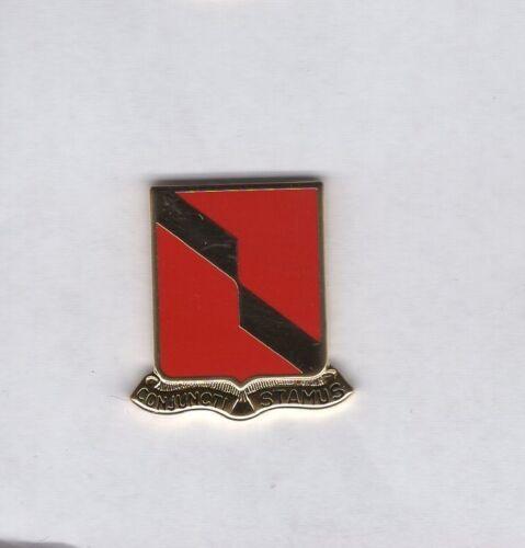 US Army 27th Field Artillery Regiment crest DUI clutchback c//b badge V-21