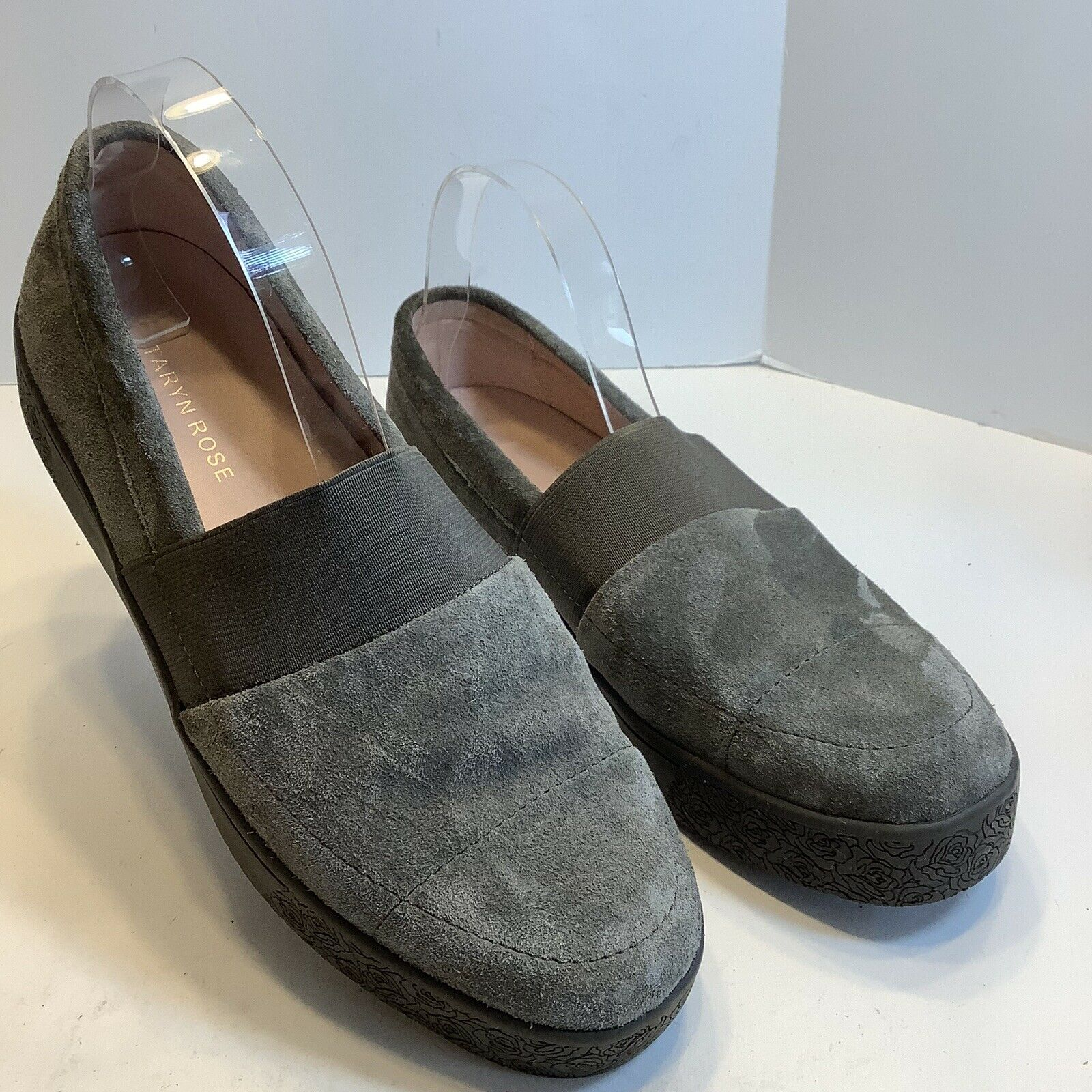 Taryn Rose Womens Greta Gray Suede Leather Loafers Size 9B, New No Box.