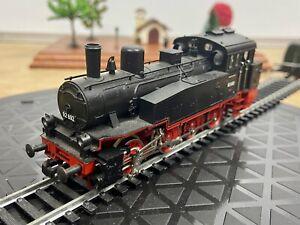 Trix Express International - H0/HO - 52 2412 00 - DR - 92 692 - Tank Locomotive