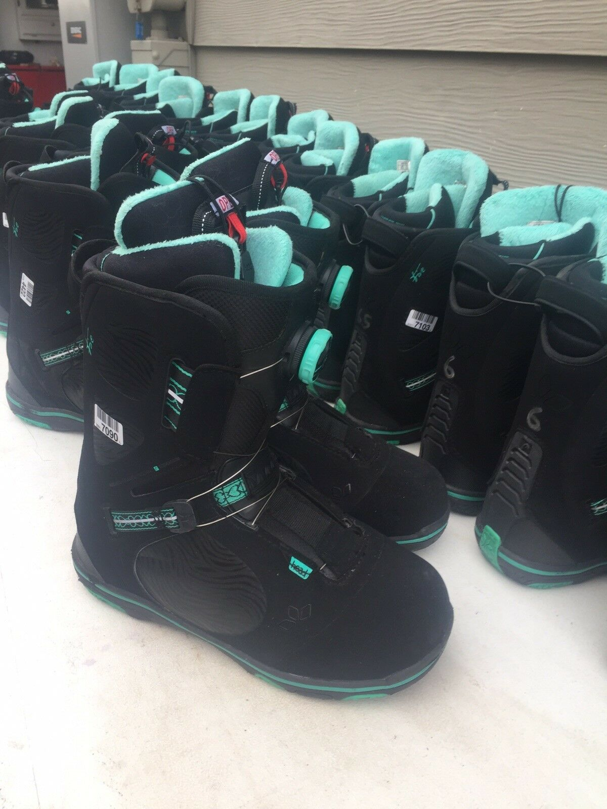 Head Womens Five Boa Snowboard Boot VERY CLEAN  Retail  299.00
