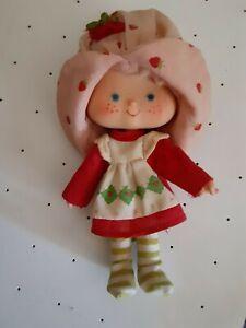 VINTAGE-Strawberry-Shortcake-Doll-Made-in-Hong-Kong