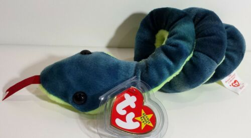 """RETIRED PERFECT GIFT TY Beanie Babies /""""HISSY/"""" the Snake A MUST HAVE! MWMTs"""