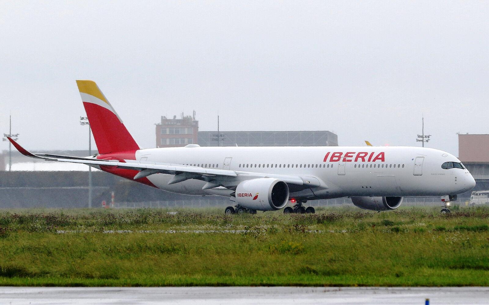 Jc Ailes Jc2035 1 200 Iberia Airbus A350-900xwb Ec-Mxv avec Pied