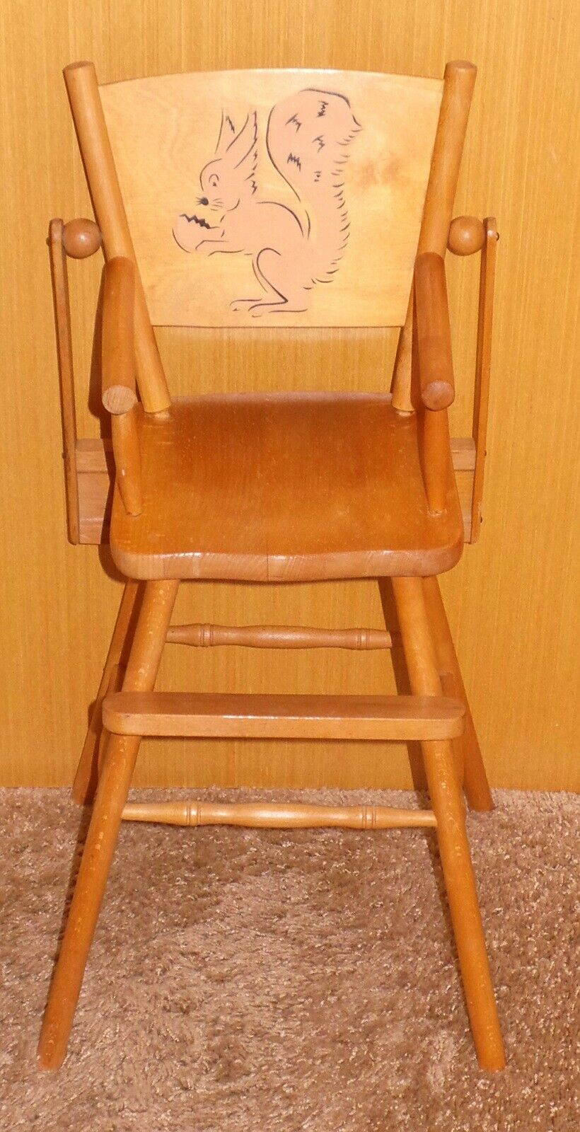 Dukkemøbler, Høj stol til dukker