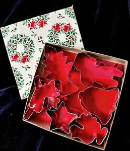 Vintage 6 pc. CHRISTMAS COOKIE CUTTER SET in Box 1950's