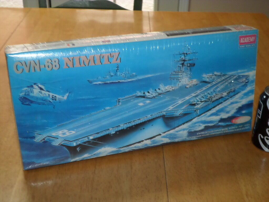 U.S.S. NIMITZ - (CVN-68) AIRCRAFT CARRIER, Plastic Model Kit, Scale 1 800