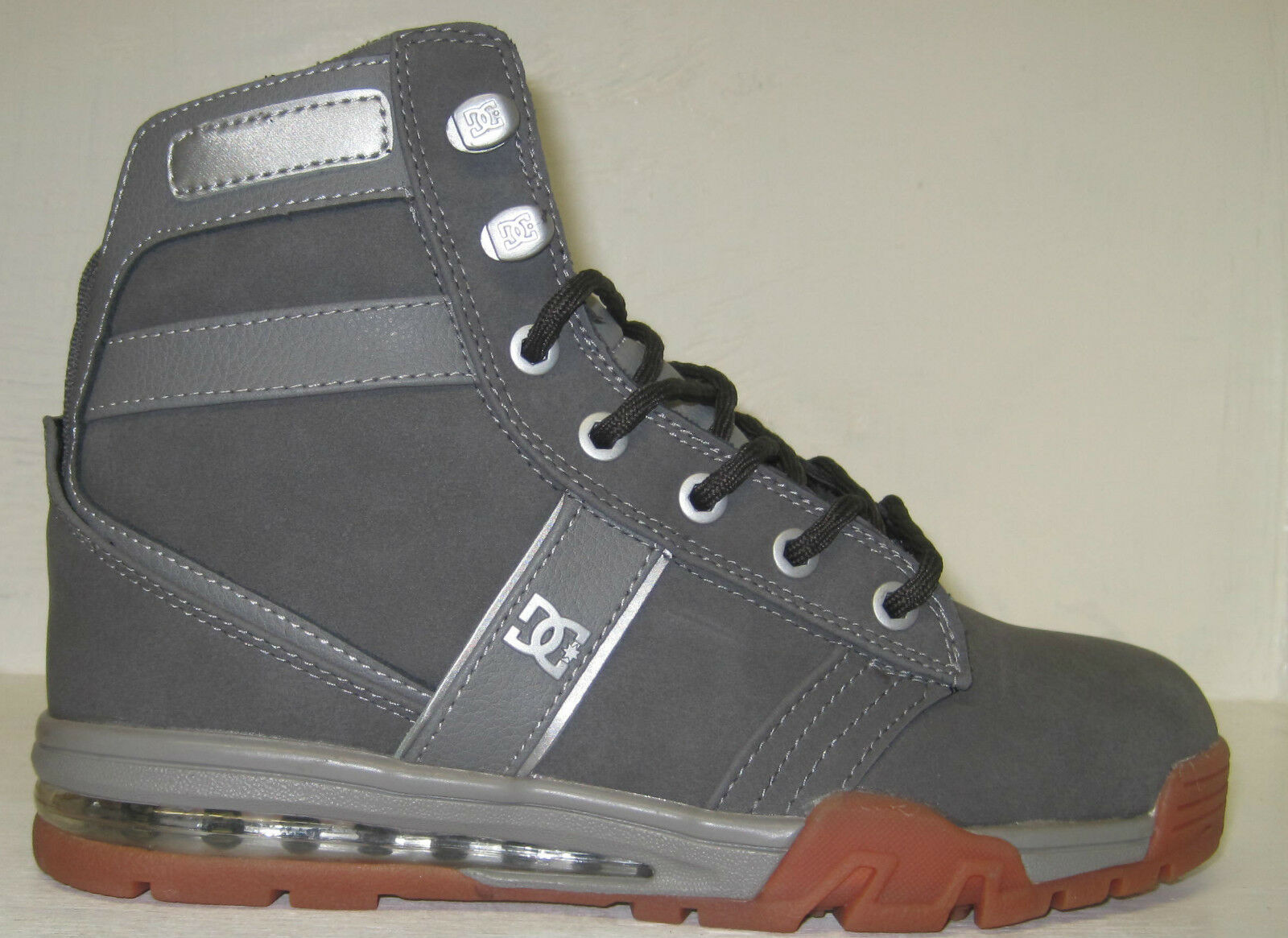 Dc men& 039;s lieutenant wr sneaker, grey gum sizes 6 & 6.5 M US