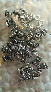 5 x silver coloured santa claus father Christmas charms card toppers BN NEW - Swadlincote, United Kingdom - 5 x silver coloured santa claus father Christmas charms card toppers BN NEW - Swadlincote, United Kingdom