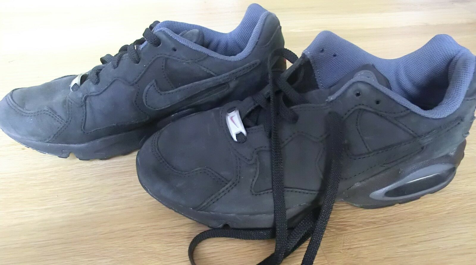original Nike Air Sneaker Gr. 43 Echtleder AirMax f. Liebhaber 27,5 cm