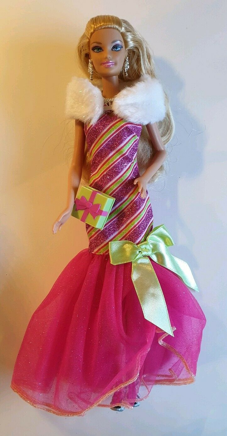 Mattel Barbie Puppe Zauberhafte Zauberhafte Zauberhafte Weihnachten Barbiepuppe V6985 NEU o. OVP 6fda25