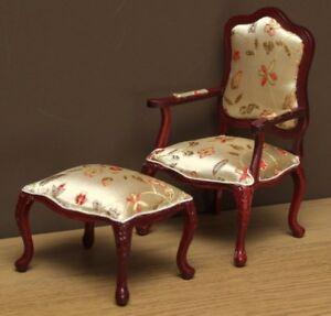 1:12 Dolls House Armchair and stool