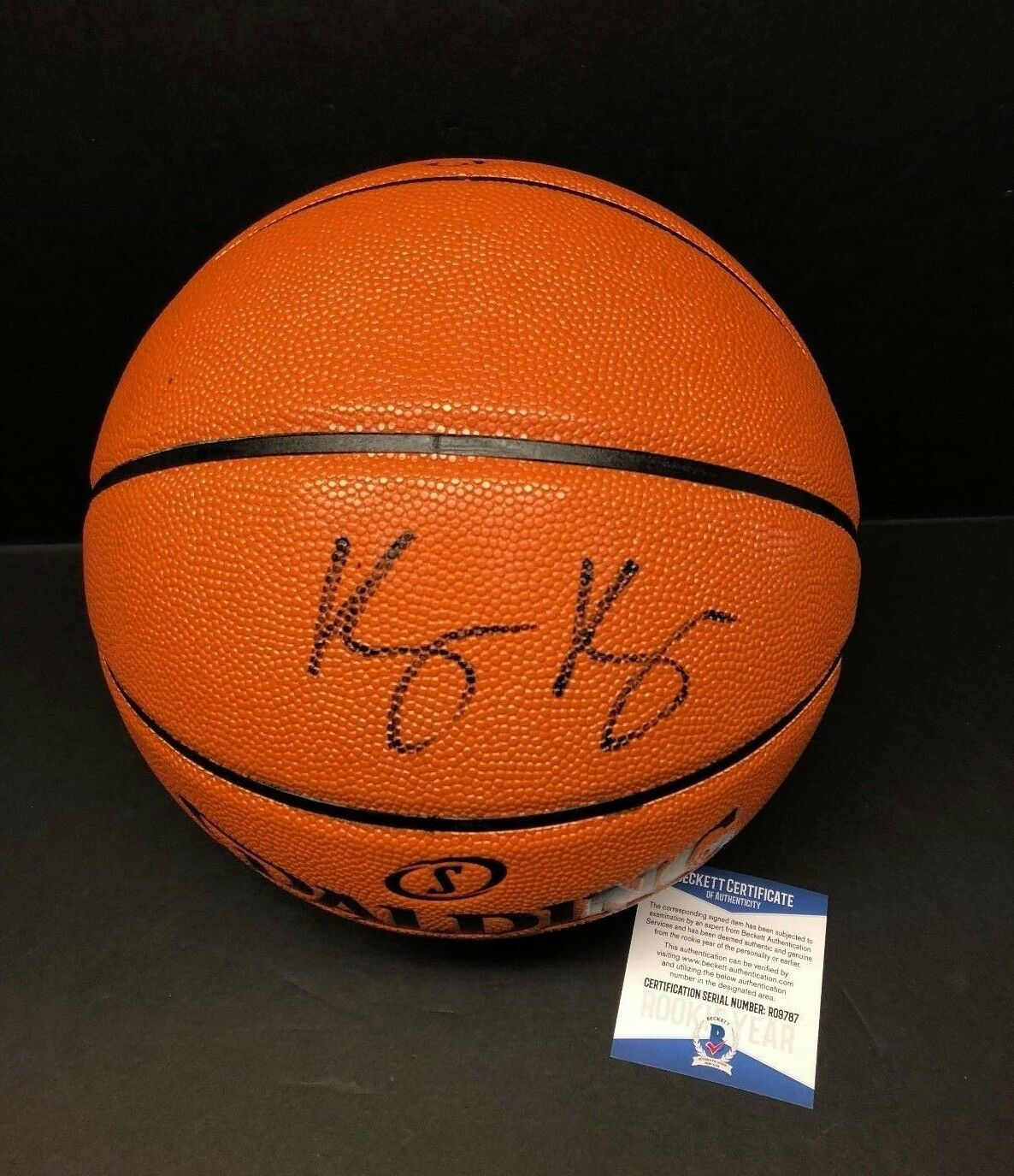 Kyle Kuzma Signed Spalding Basketball *Lakers BAS Beckett Rookie Graph R09787