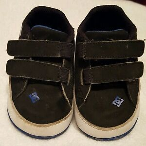 Dc Baby Court Graffik Crib Shoes Size 3