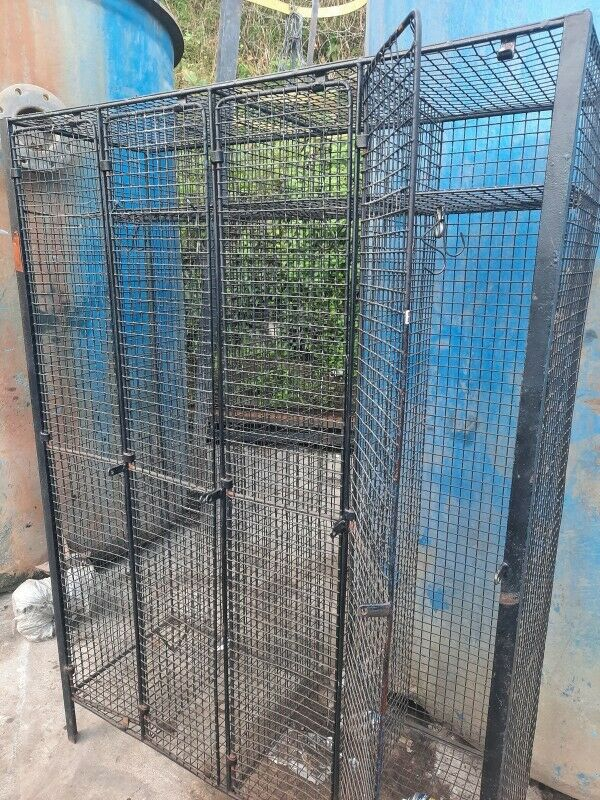 Cage Lockers 4/5/6  Piece for sale (used)
