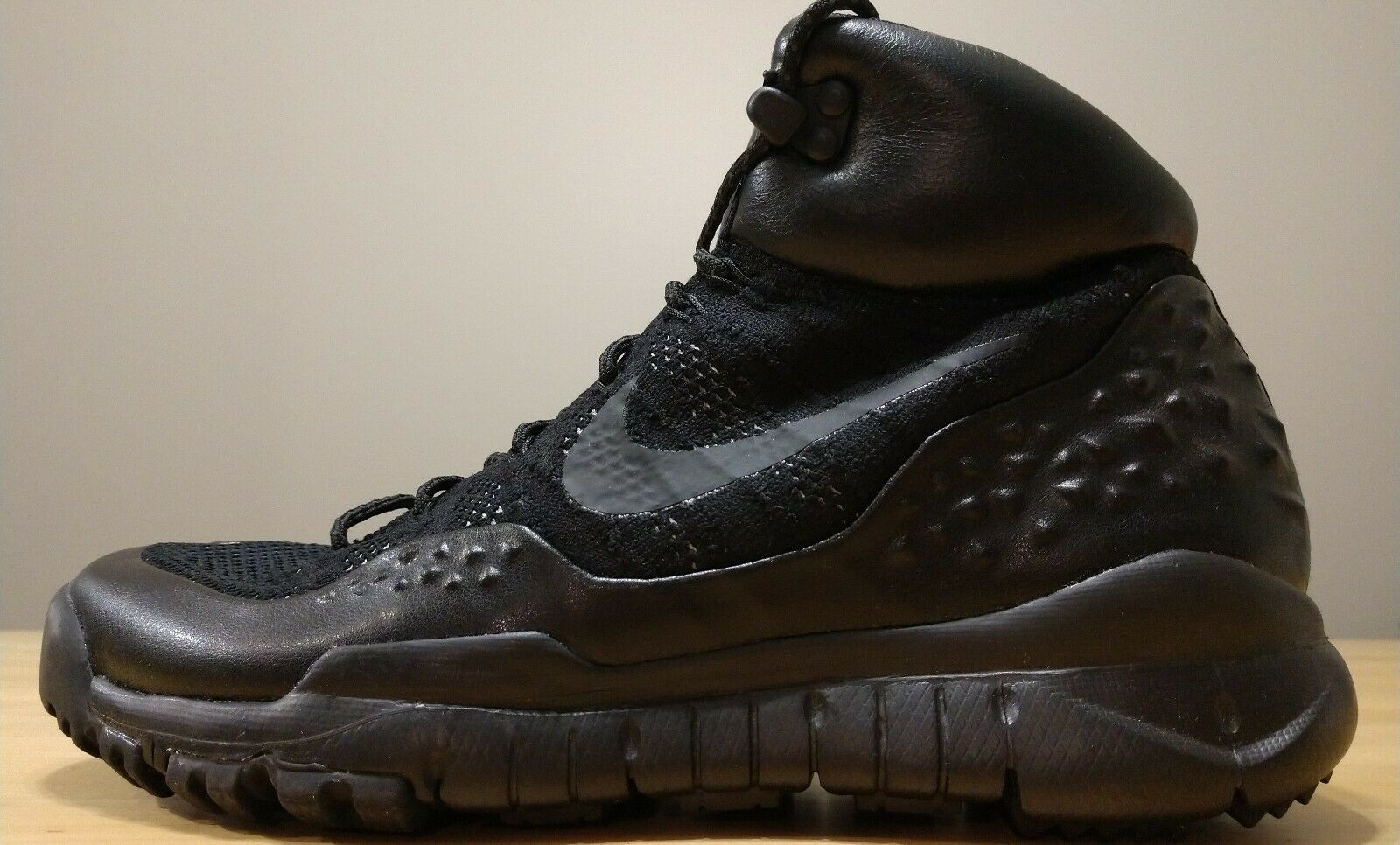 250 Nike Lupinek Flyknit Sneakerboot Boots Black Anthracite Size 8.5 862505-002