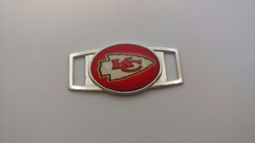 NFL Team Paracord// Shoelace dubraes Oval Charm NFL Team Charms Free Shipping