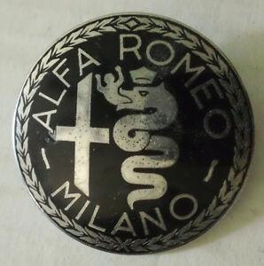 Vintage-Alfa-Romeo-Milano-Italian-Metal-Emblem-Badge-Ornament-logosign