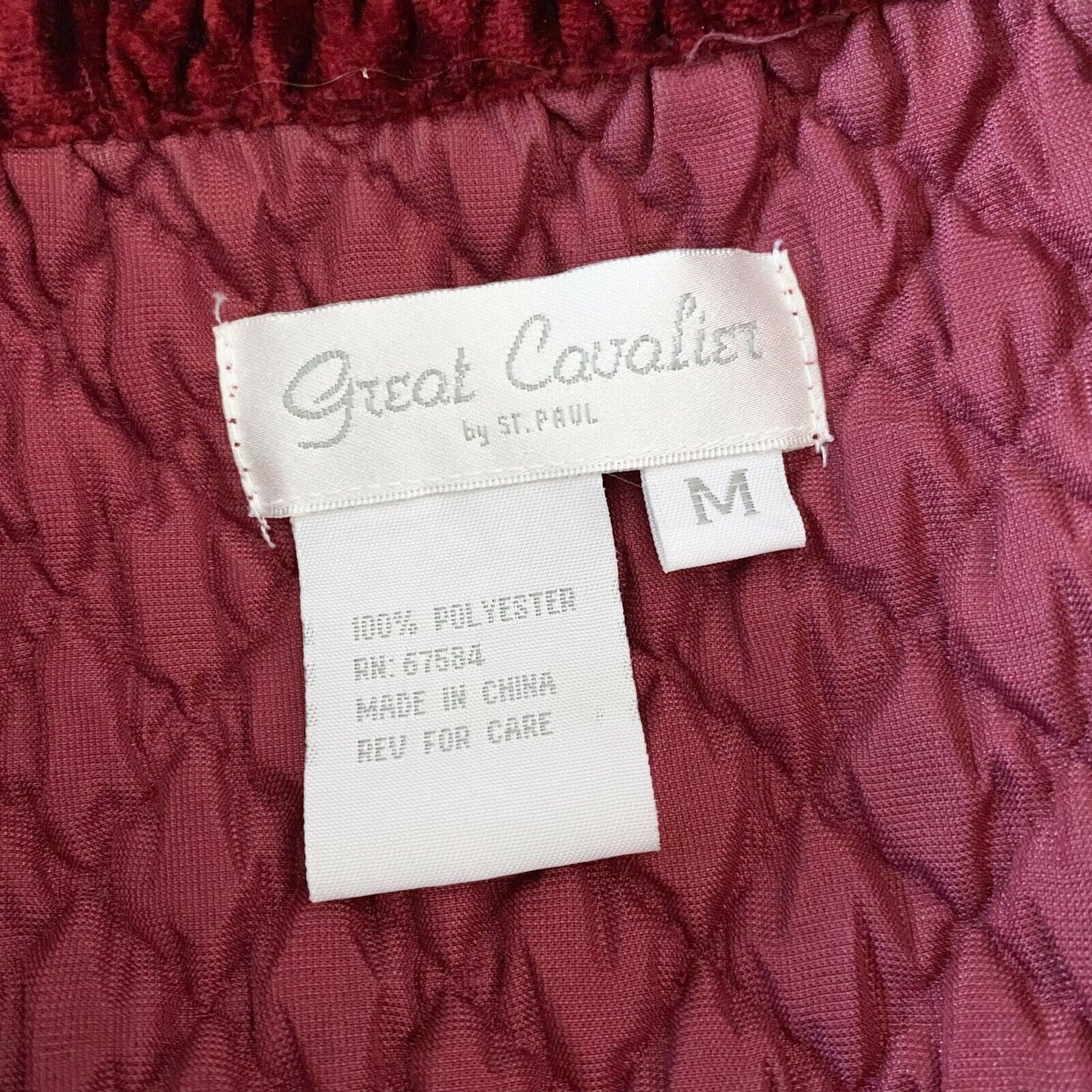 Vintage Great Cavalier by St. Paul Red Textured V… - image 4