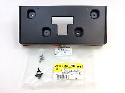 2018-2019 Buick Enclave Front Bumper License Plate Mounting Bracket new OEM