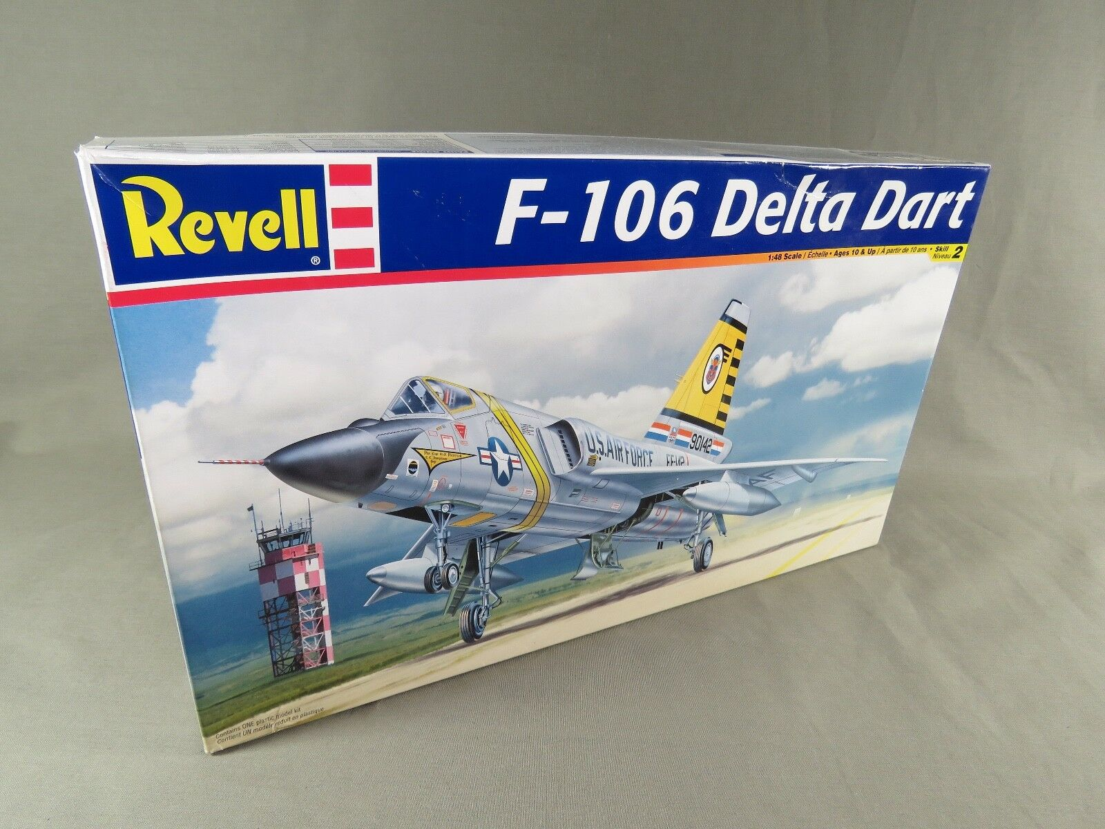 Revell F-106 Delta Dart 1 48 Scale US Air Force Interceptor Model Kit  2005 Obox