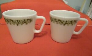 set of 2 Vintage Pyrex coffee cups mugs Spring Blossom Crazy Daisy green flower