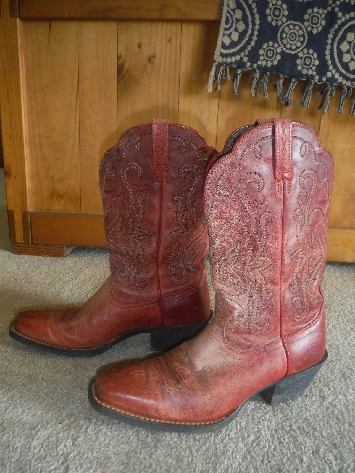 Ariat women's size  9B Style Brown burnt red Western Boots, VGUC  60% off