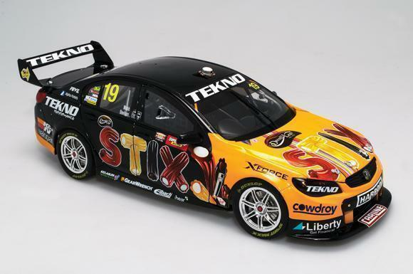 2016 BATHURST WINNER WILL DAVISON JONATHAN WEBB HOLDEN  1 18 DIE CAST MODEL CAR