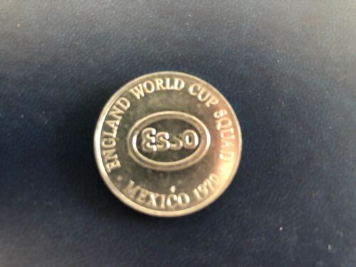 VINTAGE HENRY NEWTON 1970 ENGLAND WORLD CUP SQUAD ESSO COINS MEDALS