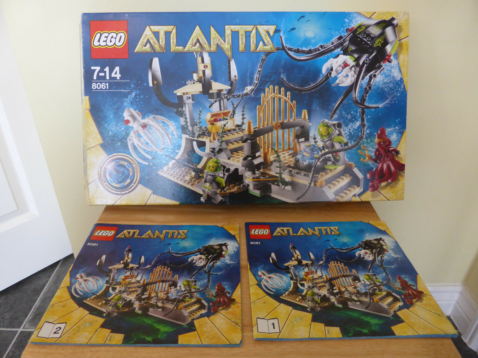 Lego Atlantis 8061 Gateway Of The Squid with Original Box and Instructions