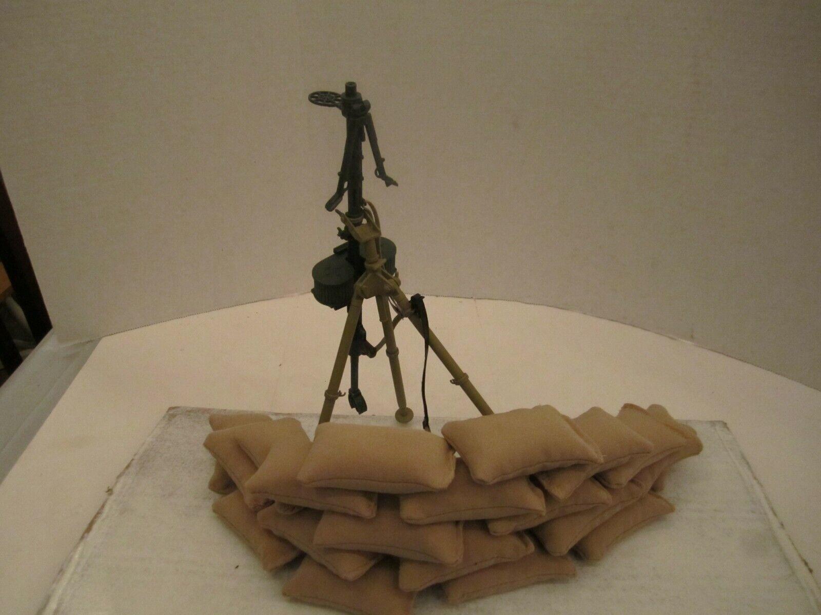 1 6 scale WW2 German MG 15 (metal legs) + 20 sandbags (micro bead filled)